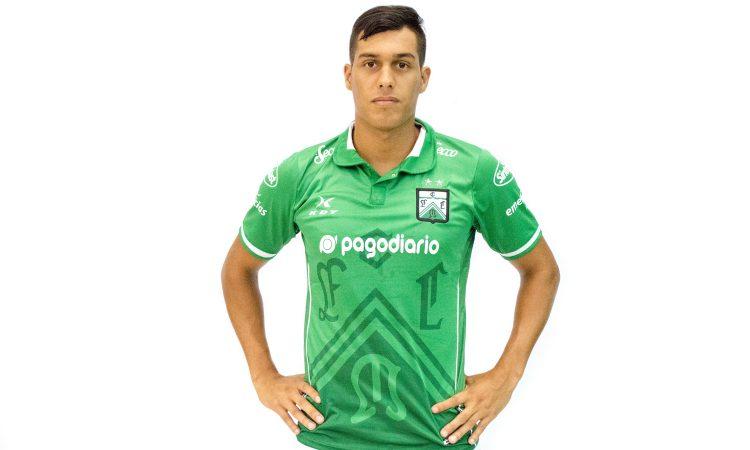 Amarilla firmó su primer contrato